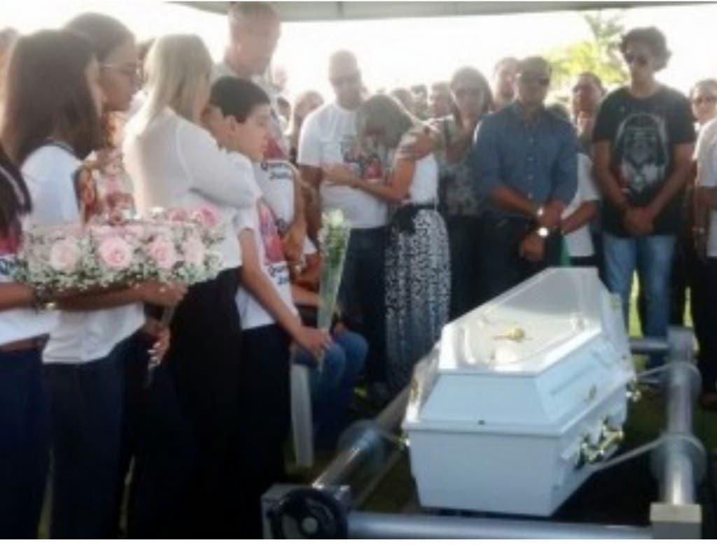 Momentondel funeral (G1)