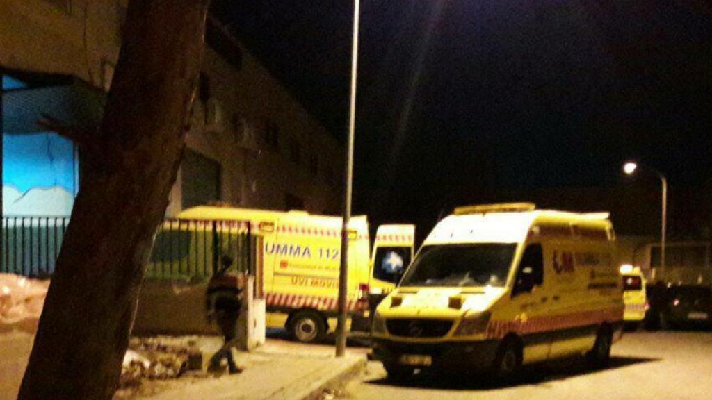 Servicios de emergencia interviniendo en el Polígono de Velilla donde ocurrieron los hechos (Policía Local).
