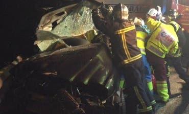 Dos heridos, uno grave, en un accidente de tráfico en la A-6
