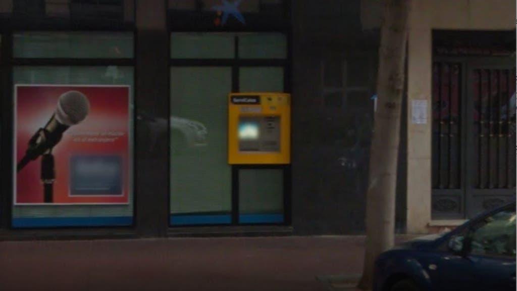 Cajero donde fue encontrado el hombre herido de gravedad (Google Maps).