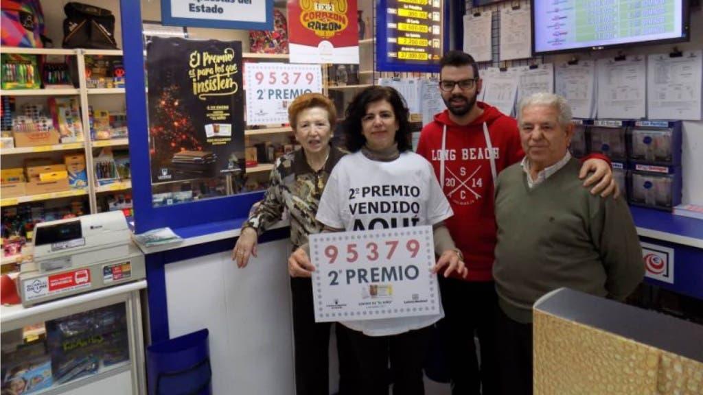 Los dueños de la Papelería de Marchamalo (Loterías).