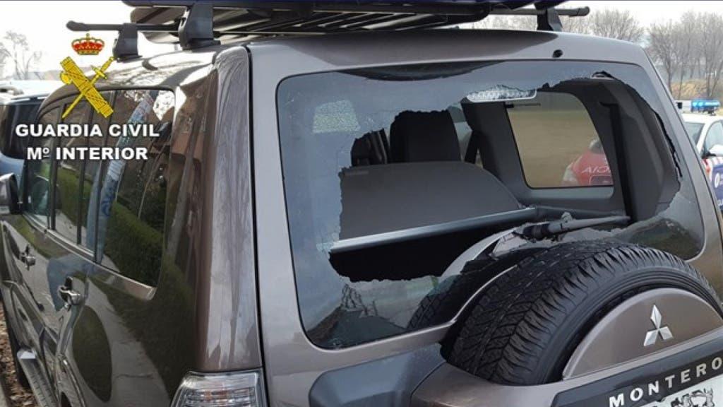 Uno de los vehículos afectados (Guardia Civil).
