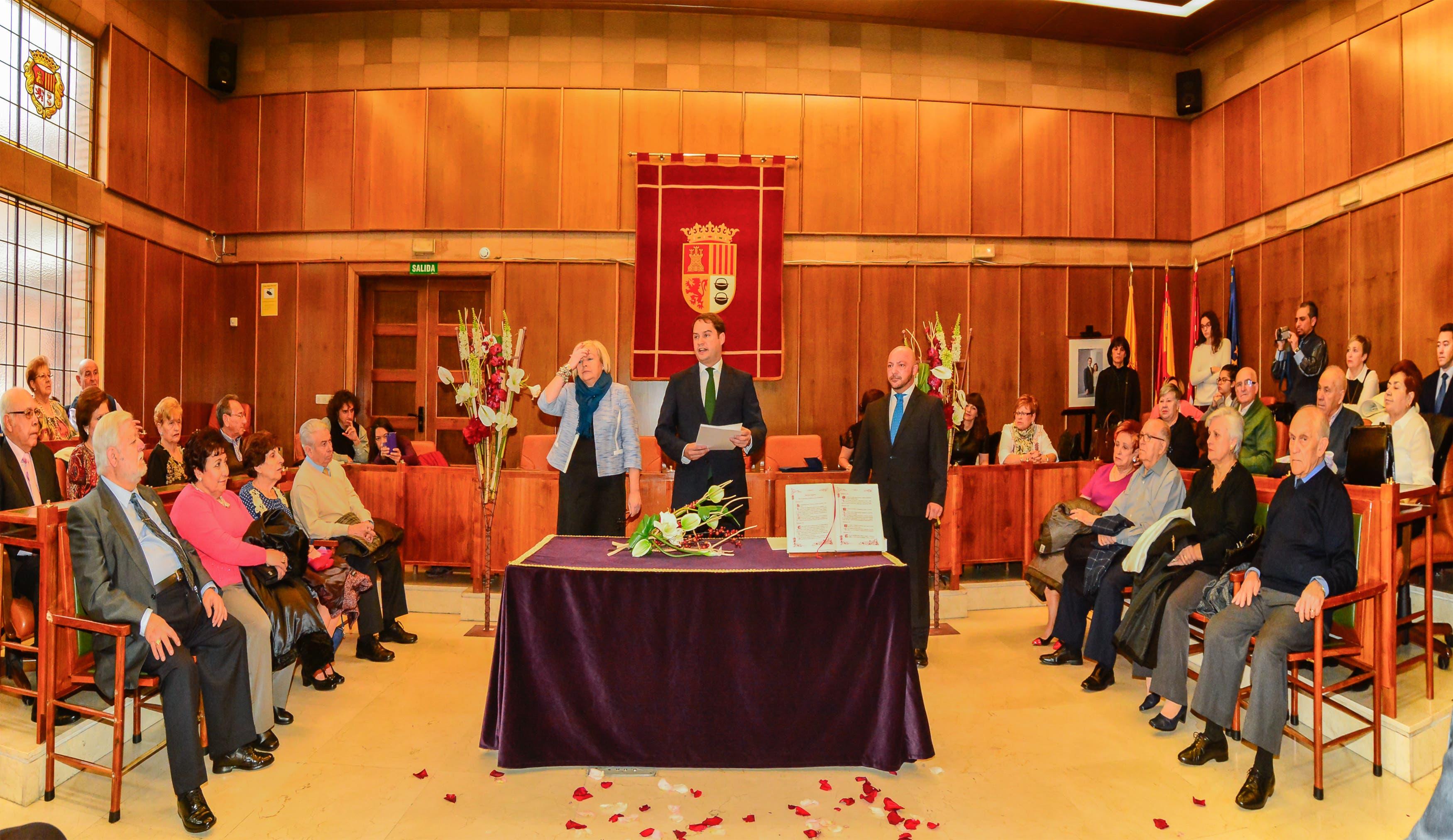 Foto de la ceremonia (Ayto. Torrejón).