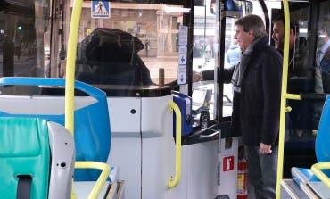 Entra en marcha el bus que une la Cañada Real con Vicálvaro