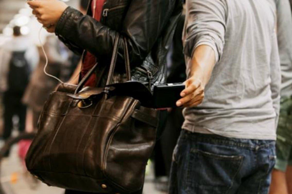 Un juez prohíbe por primera vez a un carterista español acceder al Metro
