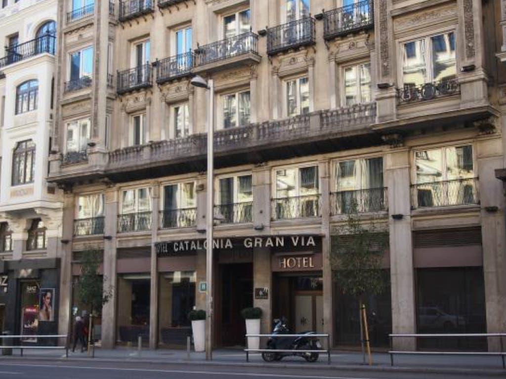 Desalojado el hotel Catalonia de Gran Vía por un aviso de bomba