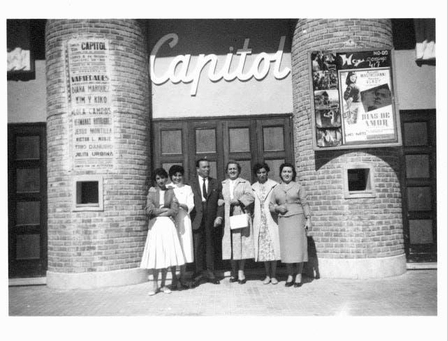 Puerta principal del Cine Capitol (Las Fotos de Torrejón).