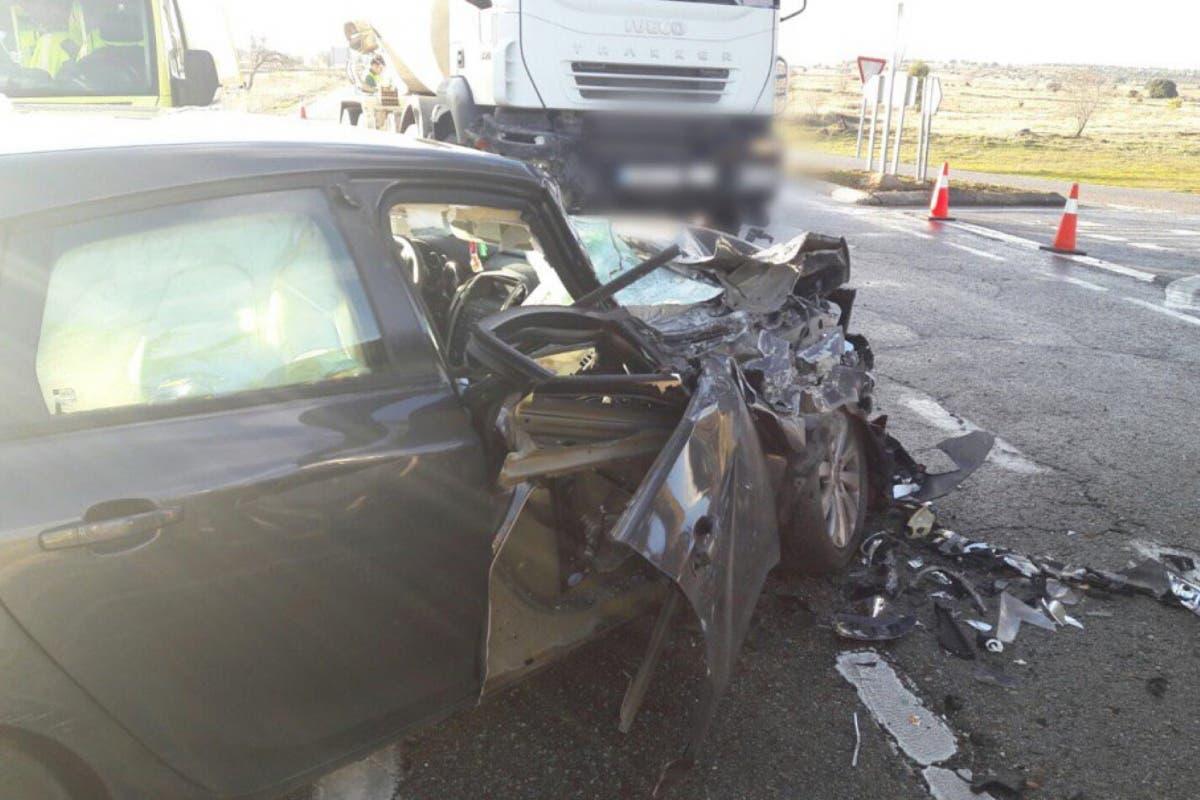 Cuatro heridos en Eurovillas tras el choque entre un camión hormigonera y un turismo