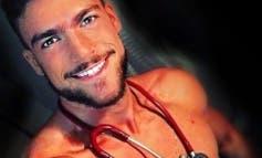 Ya sabemos en qué hospital madrileño trabaja el enfermero «más sexy del mundo»