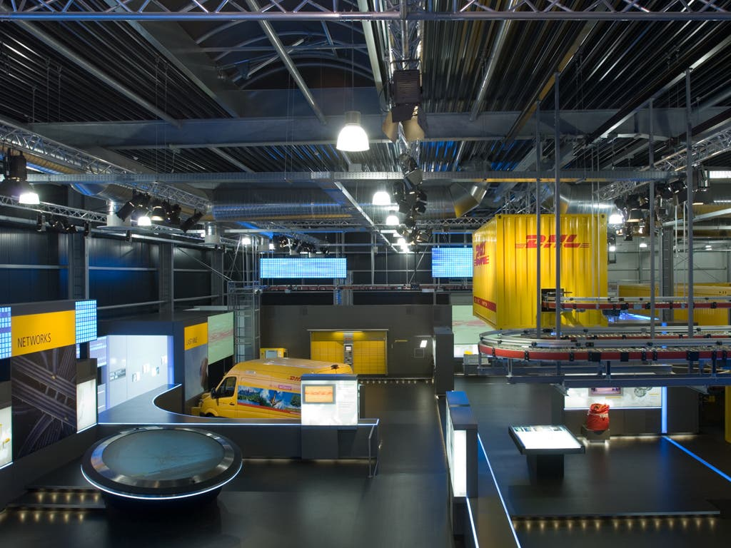 DHL elige Coslada para instalar un centro internacional de innovación logística