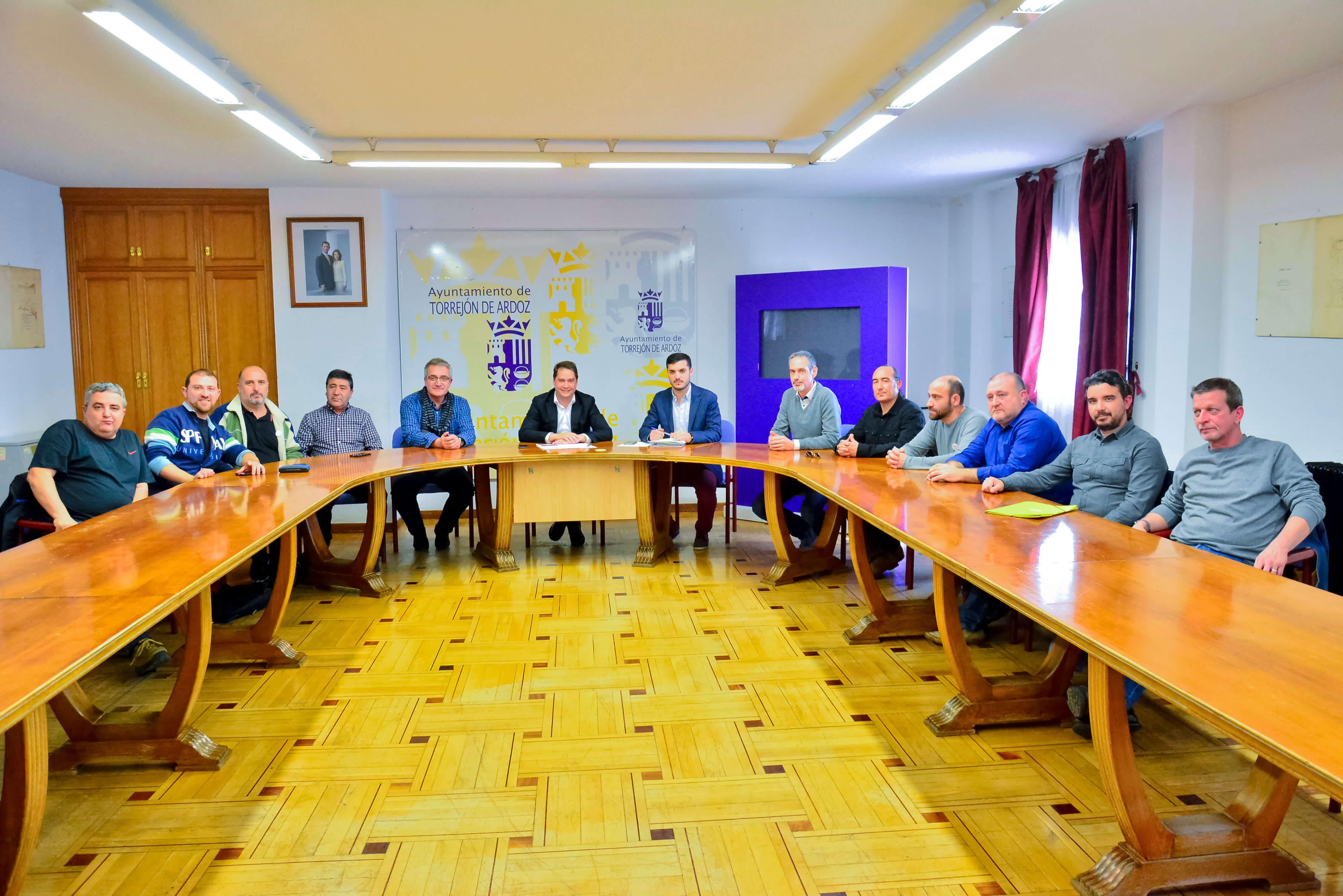 El alcalde, Ignacio Vázquez, en la reunión mantenida con el Comité de Empresa (Ayto.).