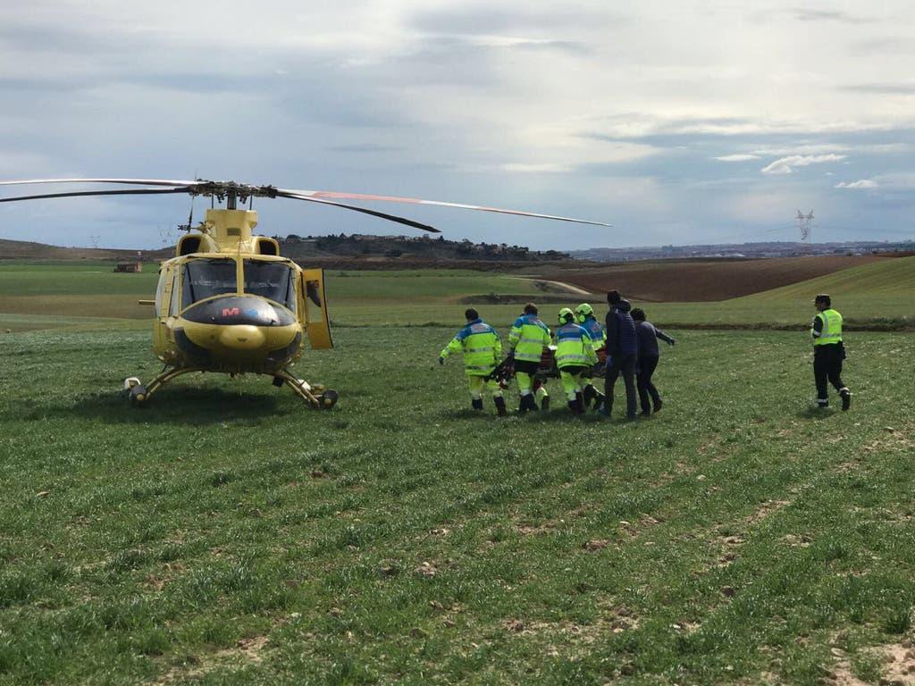 Trasladan grave en helicóptero a un motorista tras un accidente en Cobeña