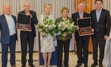 Los hosteleros de Torrejón rinden homenaje a dos maestros, Vaquerín y Redondo