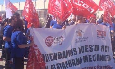 Los trabajadores de Inditex en Meco salen a la calle para denunciar su situación