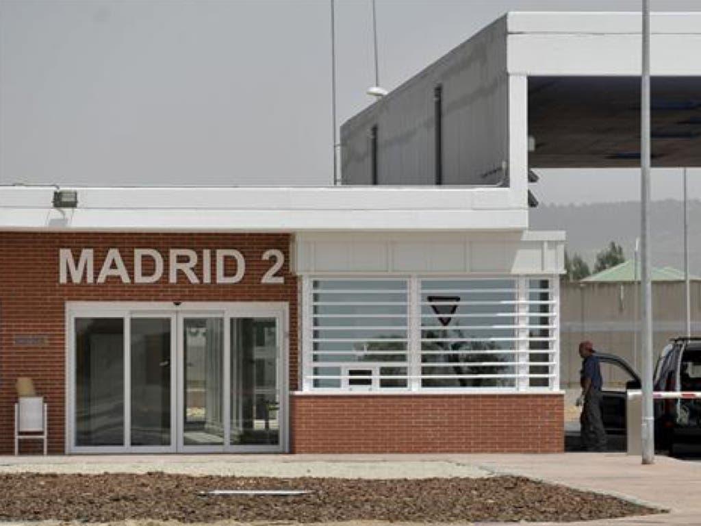 Un preso quema dos colchones supuestamente ignífugos en Alcalá-Meco