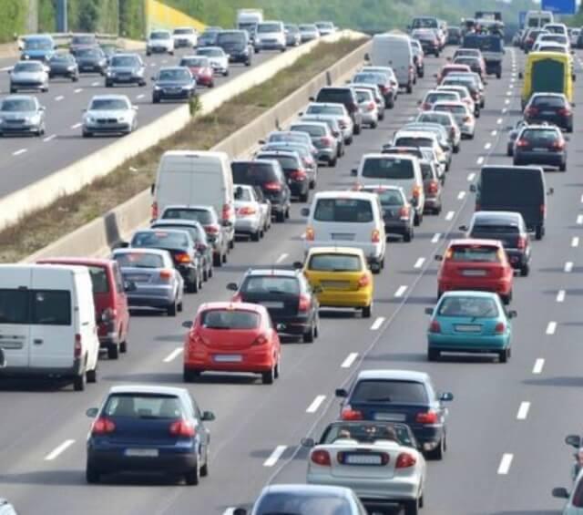 Así están las cosas en las carreteras madrileñas en el primer sábado de Semana Santa