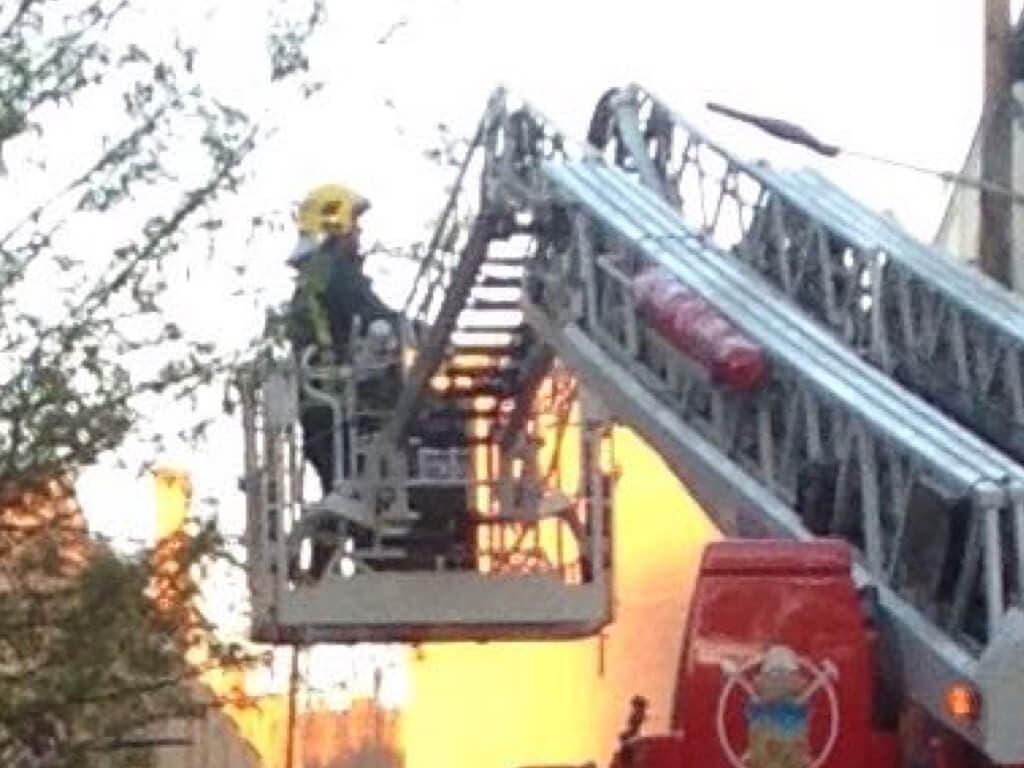 Unas 200 personas desalojadas por un incendio en Guadalajara