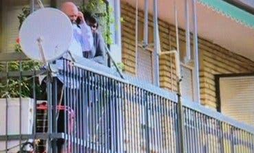 Amenaza con tirarse por el balcón si desahucian a su madre con Alzheimer