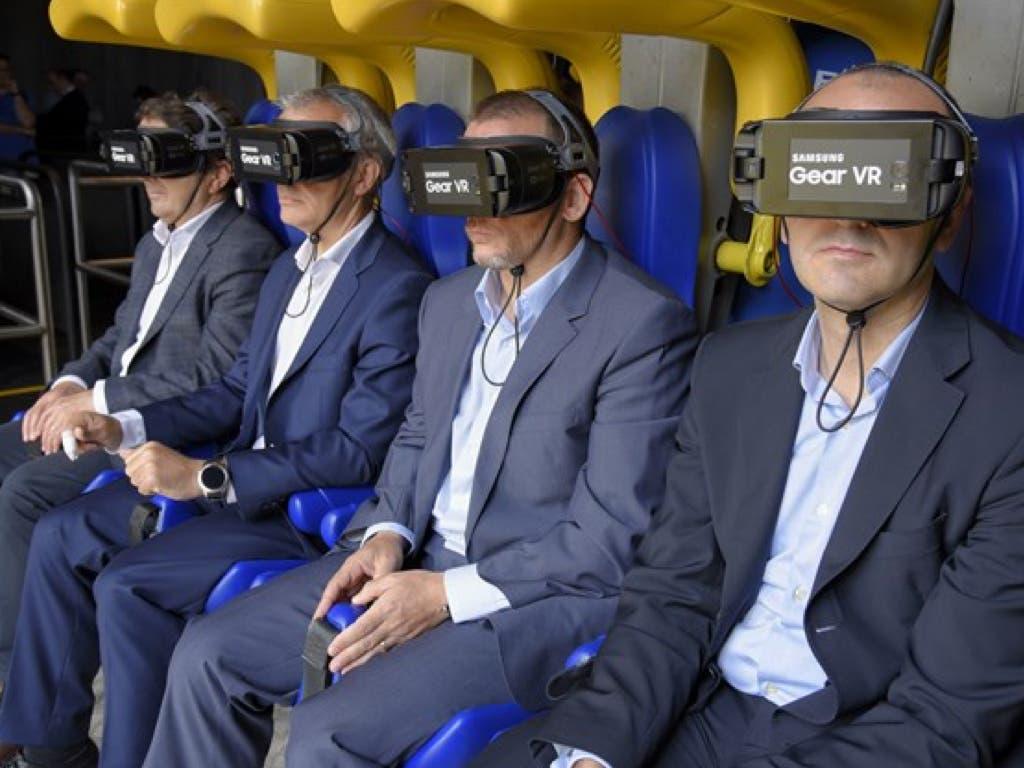 Parque Warner estrena la primera montaña rusa de España con realidad virtual