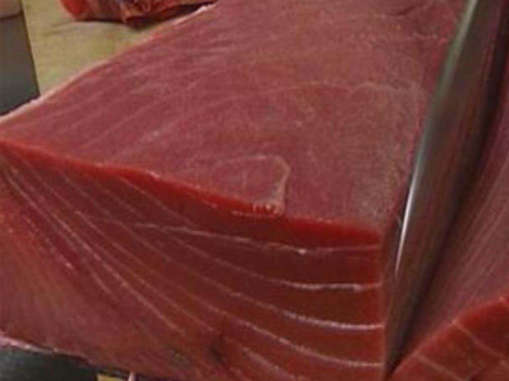 Alerta por una partida de atún fresco que deja 11 intoxicados en Madrid