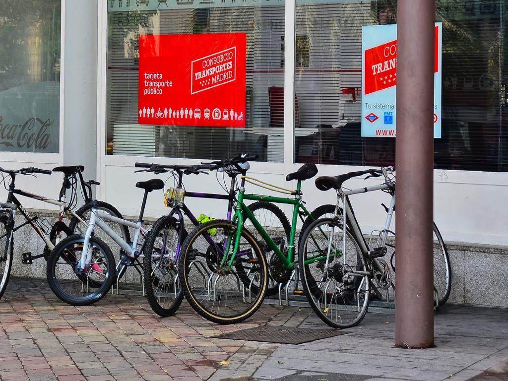 Sorprendidos robando bicicletas en las estaciones de Cercanías de Torrejón