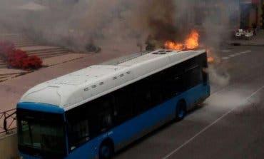 Explota un autobús de la EMT en Entrevías