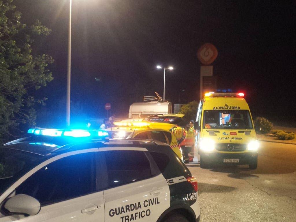 Una familia de Torrejón sufre un accidente en la A-3 con la caravana que transportaba