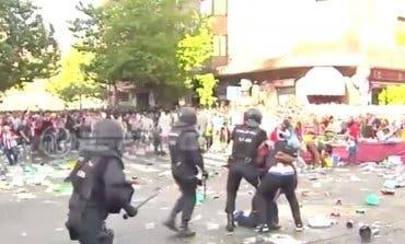 25 heridos en los disturbios previos al derbi en el Vicente Calderón