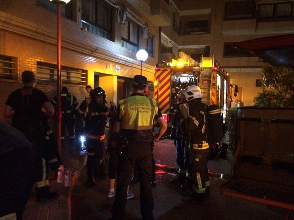 Un incendio en un piso de Madrid deja varios heridos, uno con quemaduras