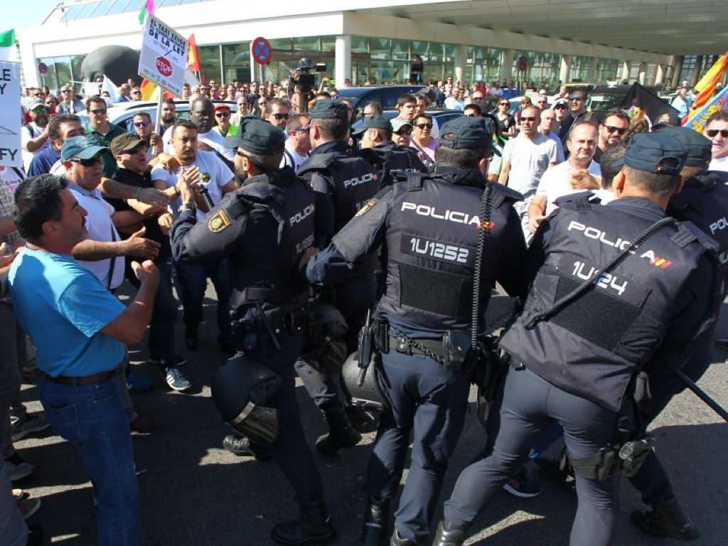 La huelga de taxistas en Madrid termina con cuatro detenidos
