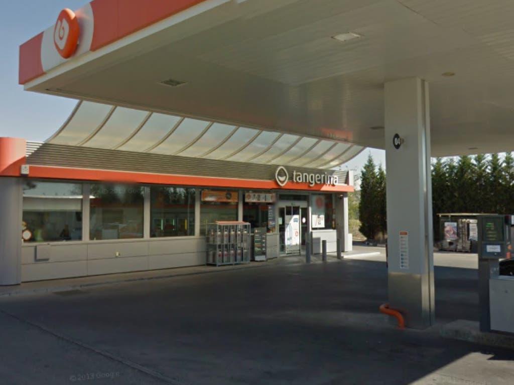 Varios encapuchados atracan una gasolinera de Villalbilla