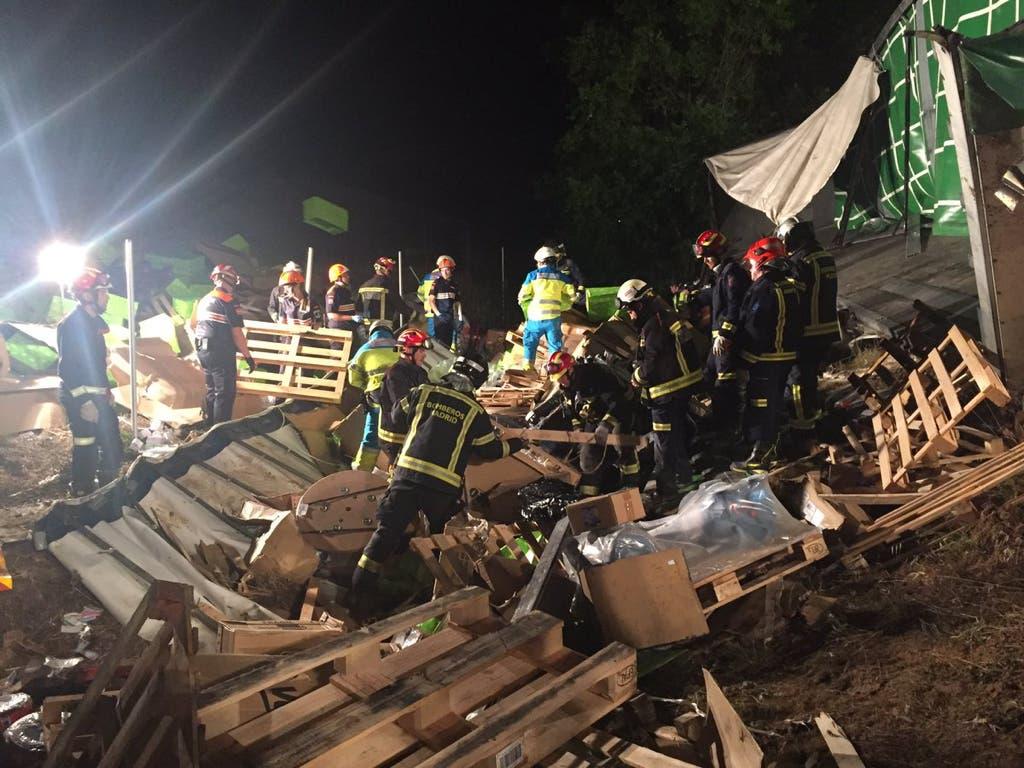 Muere un camionero en la M-50 aplastado por la carga del camión