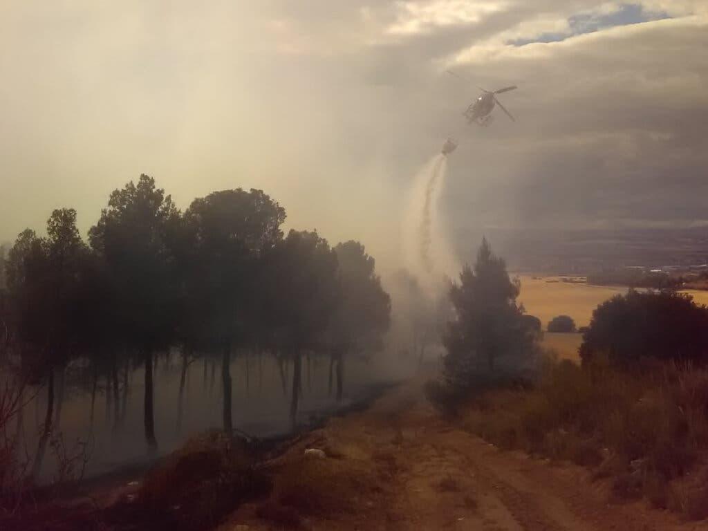 Controlado un aparatoso incendio forestal en Chiloeches