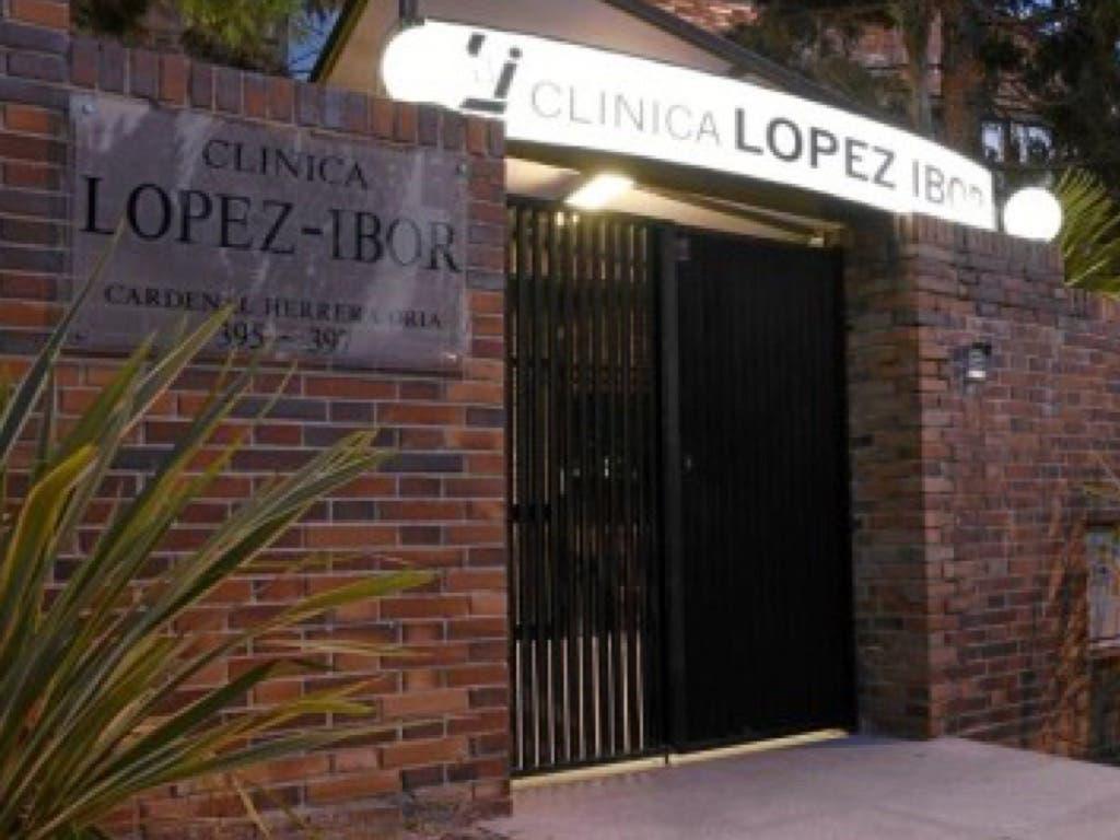 A prisión por apuñalar a su mujer en la clínica López Ibor