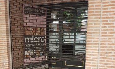 Desvalijan una peluquería de Alcalá de Henares tras romper un pequeño cristal