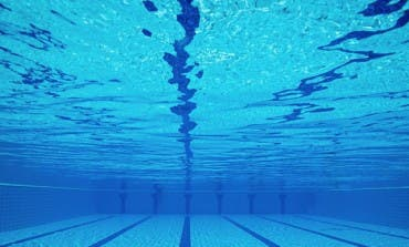 Algete adelanta el cierre de su piscina por la aparición de fisuras