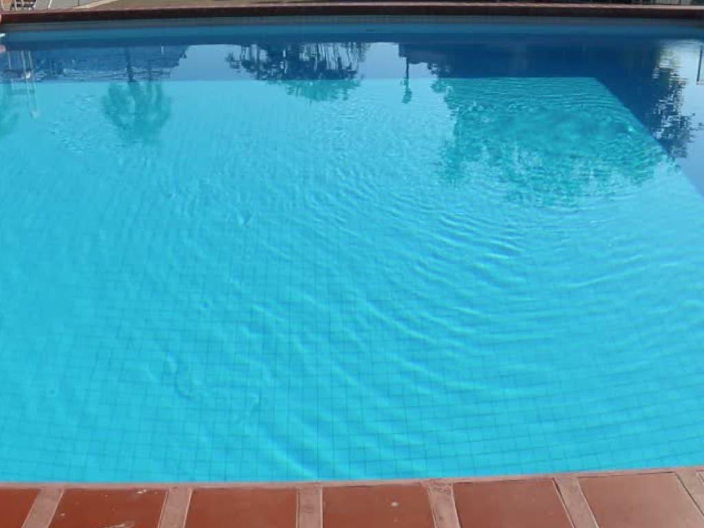 Muere la niña de dos años que fue rescatada de una piscina