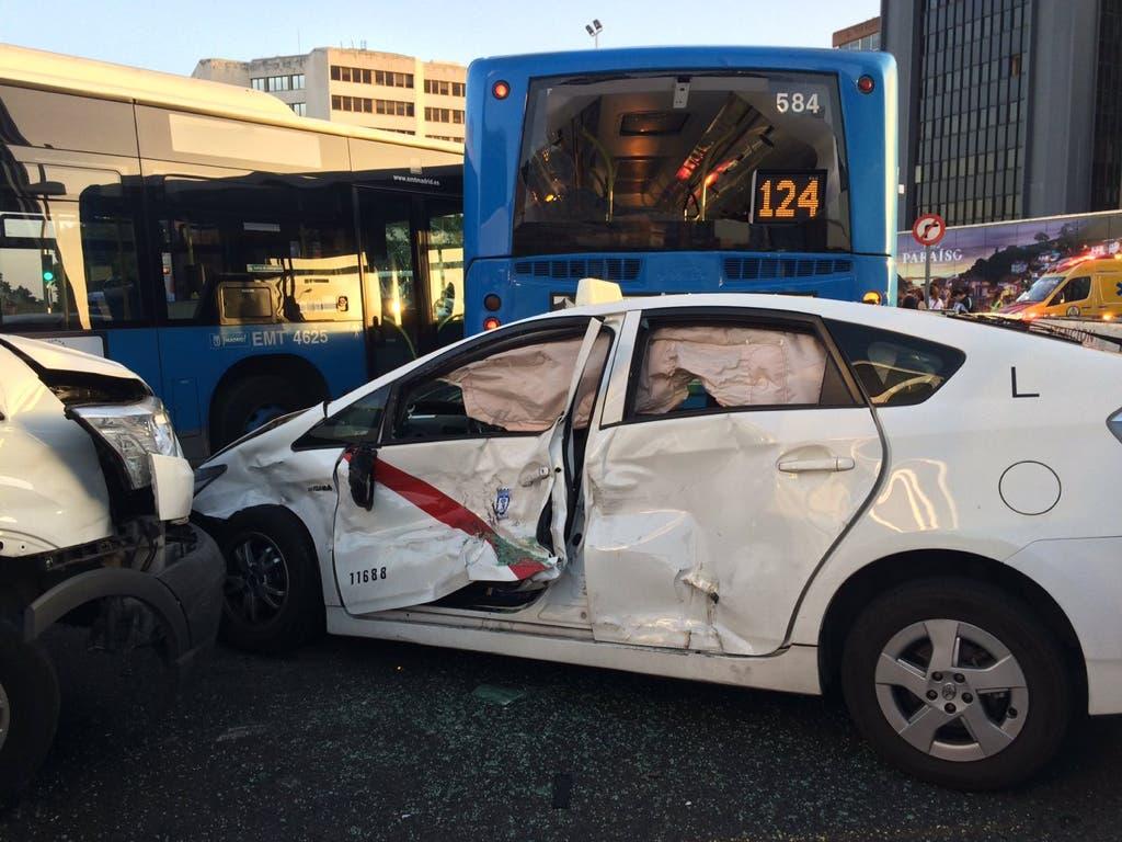 Un accidente múltiple provoca el caos en Plaza de Castilla