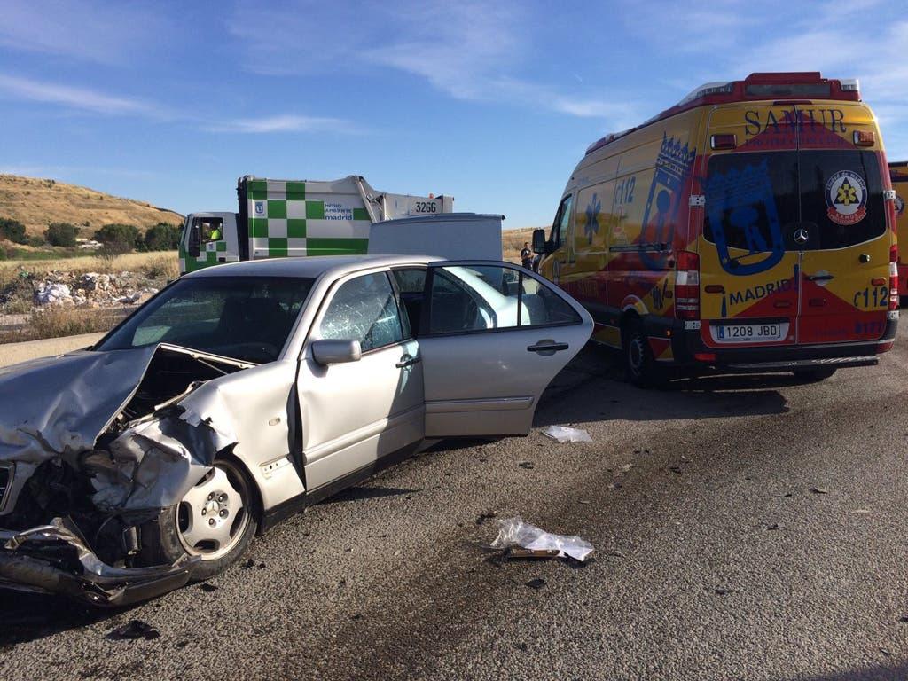 Tres heridos y un bebé ileso en un aparatoso accidente en Valdemingómez