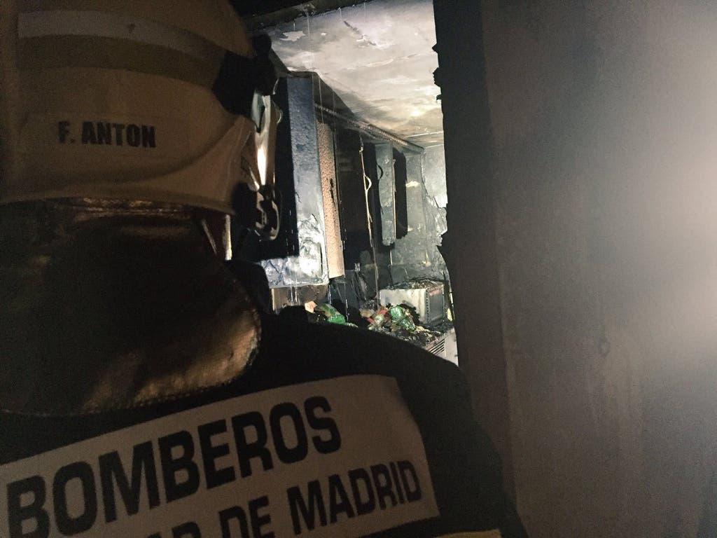 Varios intoxicados tras prenderse fuego una sartén en Alcobendas