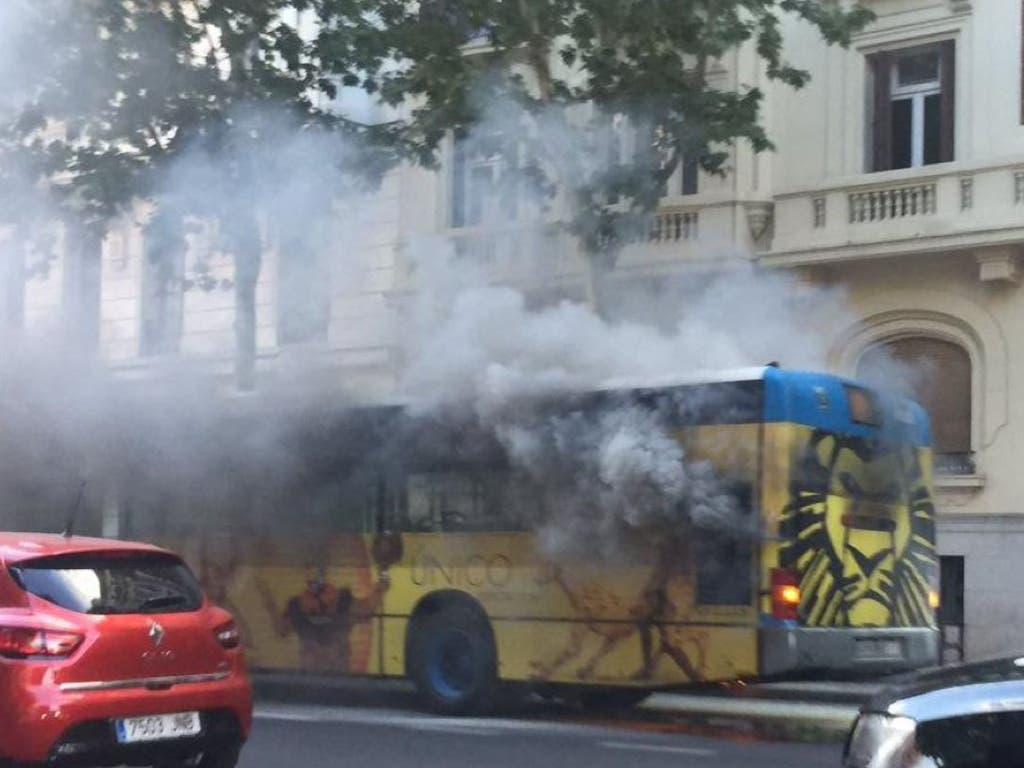 Sale ardiendo otro autobús de la EMT en Madrid