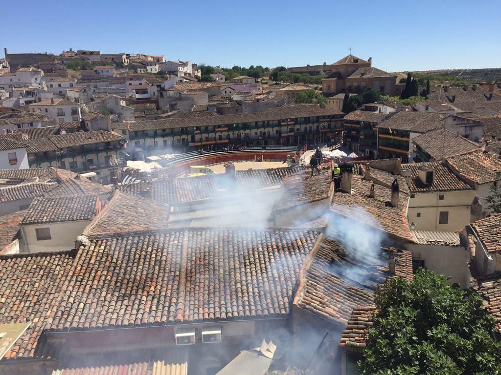 Incendio en la famosa Plaza Mayor de Chinchón