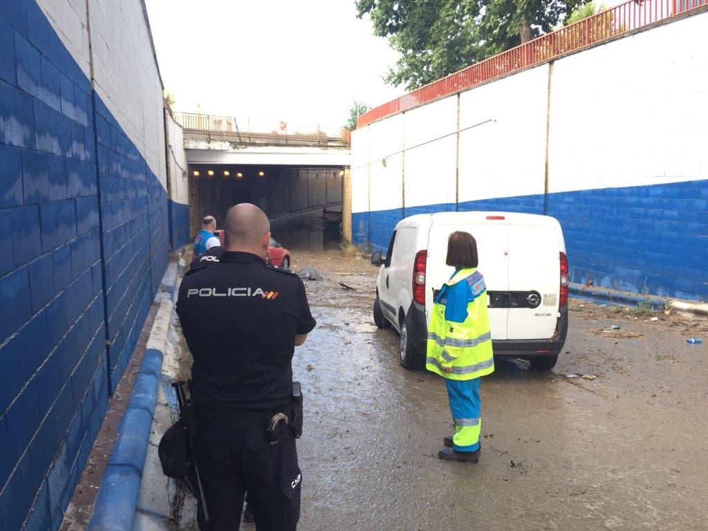 Muere un conductor atrapado en un túnel inundado en Coslada