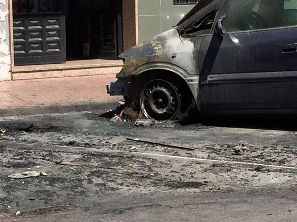 Un incendio calcina tres vehículos en Alcalá de Henares