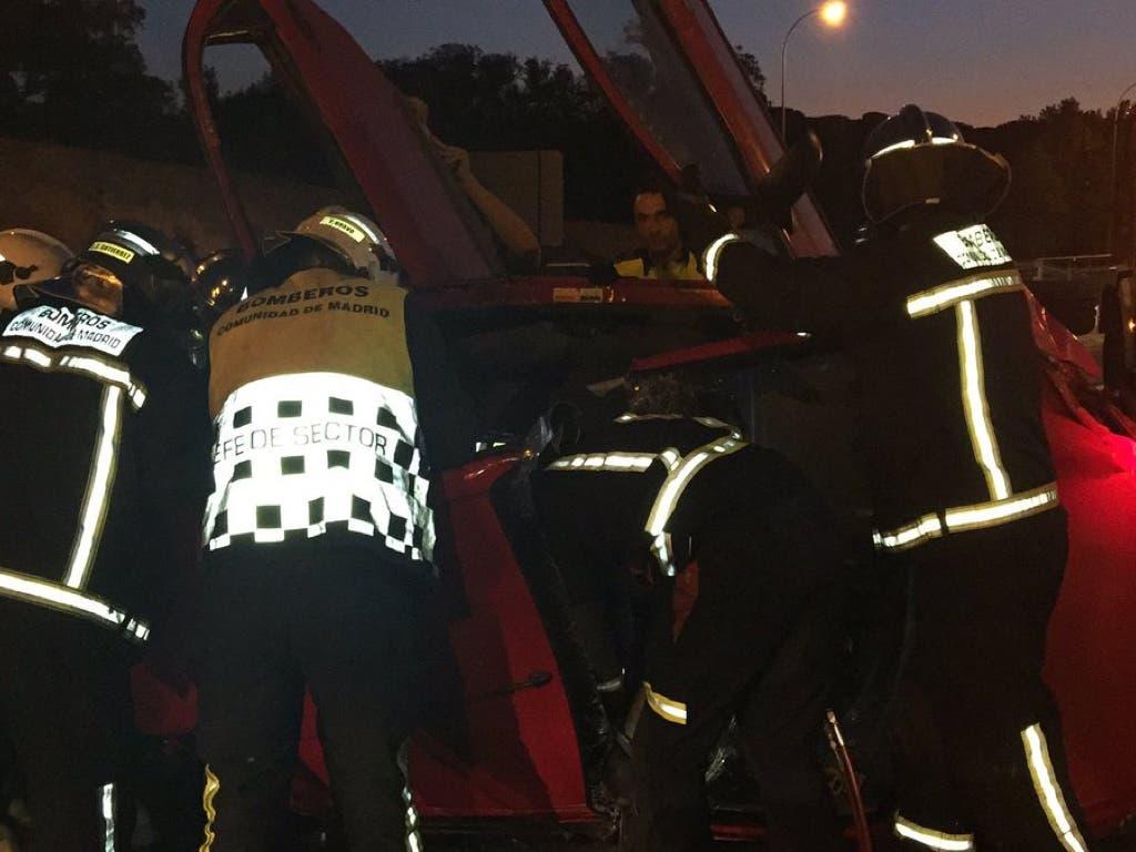 Cuatro jóvenes heridos, dos muy graves, en un accidente en la M-40