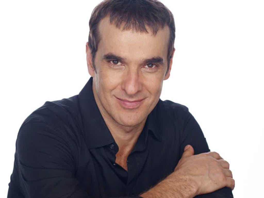 Luis Merlo, abandona el hospital