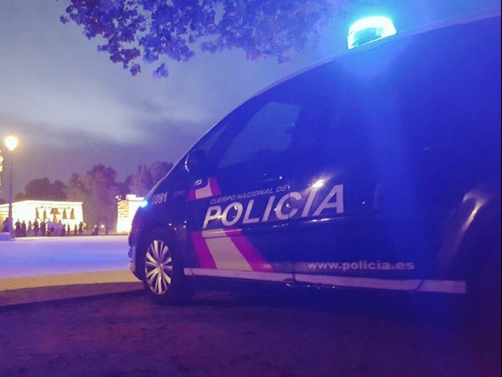 Varios menores detenidos por lanzar piedras a un transexual en un parque de Madrid