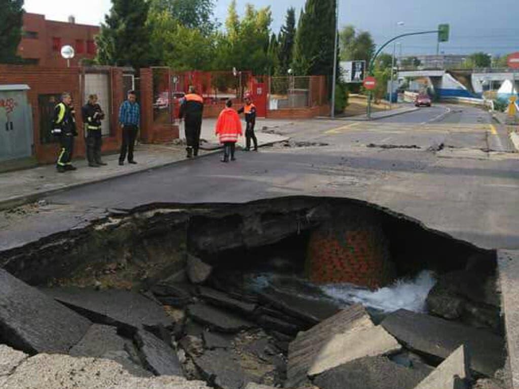 La tormenta partió en dos el suelo en Coslada y Arganda