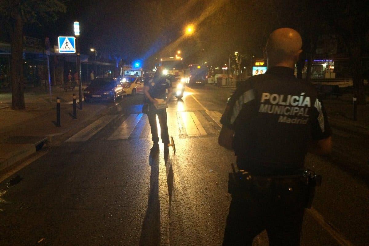 Un anciano, en estado crítico tras ser atropellado por una moto en Moratalaz