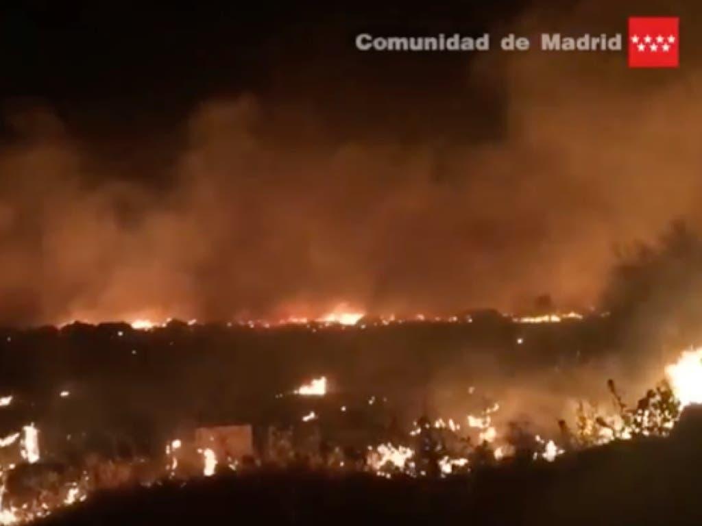Aparatoso incendio esta madrugada en la Cañada Real